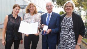 KFC gratuliert Dieter Hofmann zum Bundesverdienstkreuz